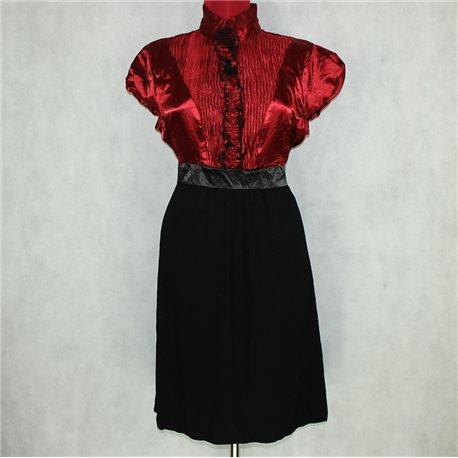 Красно-черное платье 50-52